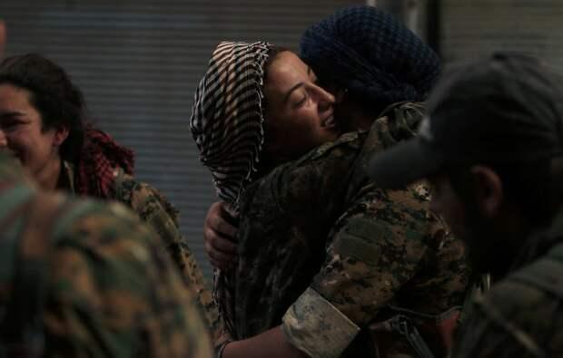 Женщины-военнослужащие Демократических сил Сирии