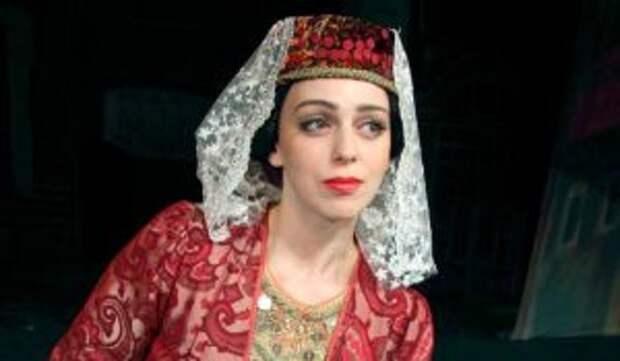 Звезда сериала «Не родись красивой» Уварова изменилась до неузнаваемости