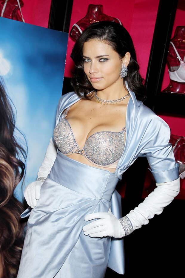Адриана Лима (Adriana Lima) в программе 2 Million Dollar Fantasy Bra для Victoria's Secret (октябрь 2010)