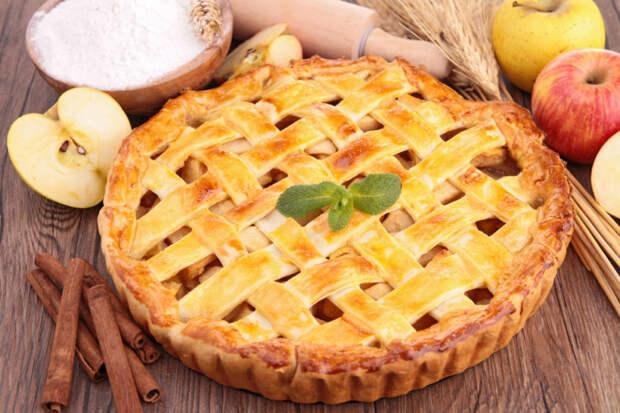 Американский яблочный пирог. Десерт из песочного теста с яблочной начинкой