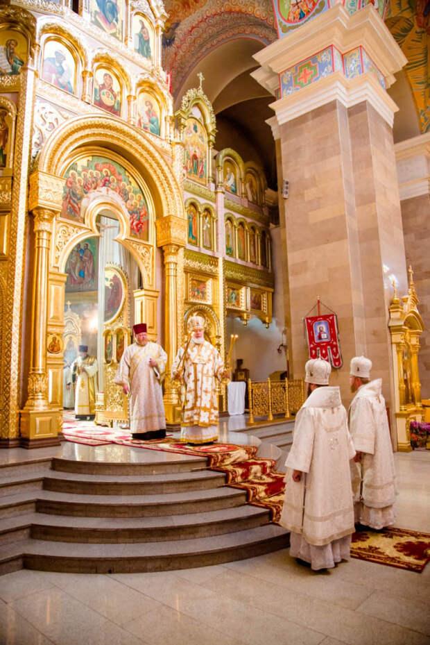 Литургия в Соборе Кирилла и Мефодия г. Самары