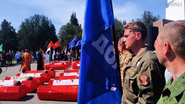 Бойцов ВОВ, погибших в страшных боях под Севастополем, торжественно предали земле