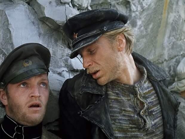 Кадр из фильма *Свой среди чужих, чужой среди своих*, 1974   Фото: in-w.ru