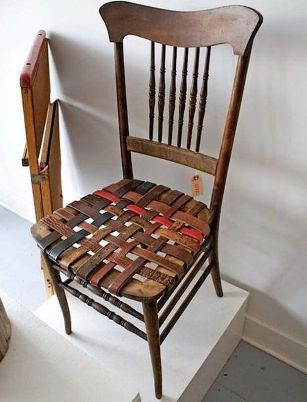 6. А это пример тройной реставрации: стул, стол и ремни получили новую жизнь Стиль, дизайн, мастер на все руки, новая жизнь старых вещей, переработка, ремни, своими руками, сделай сам