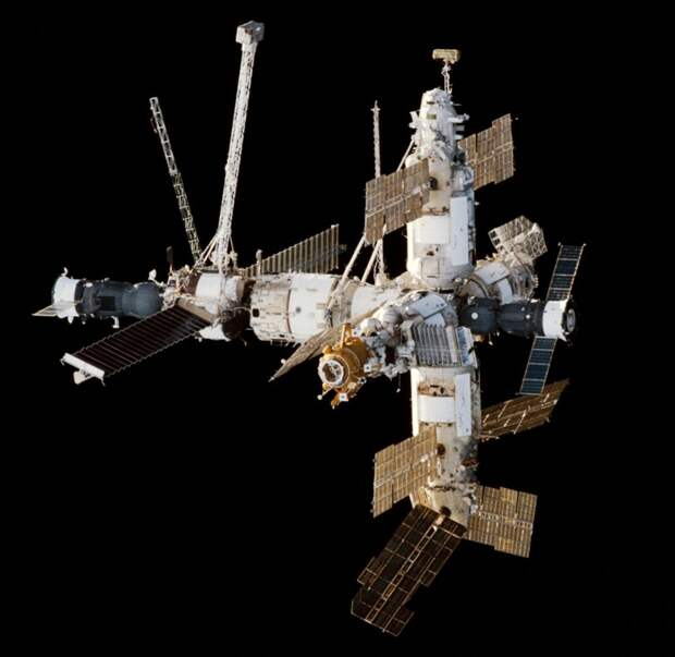 Рогозин заявил, что МКС теперь недосчитается одного модуля, и очертил бюджет национальной орбитальной станции