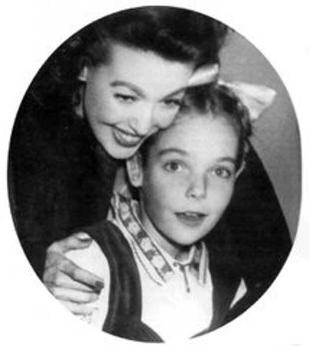Лоретта Янг с дочерью Джуди Льюис (214x240, 13Kb)