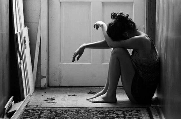 Страшно опасно и страшно стыдно: Четыре истории женщин, решившихся на подпольные аборты