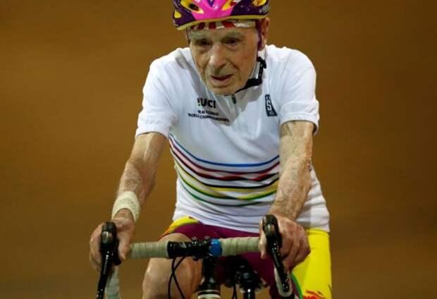 Во Франции скончался самый пожилой в мире велогонщик
