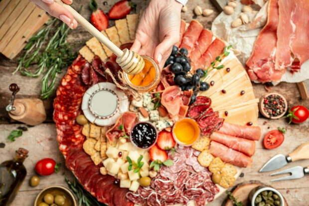 Кулинарная эстетика: как оформить тарелку с закусками