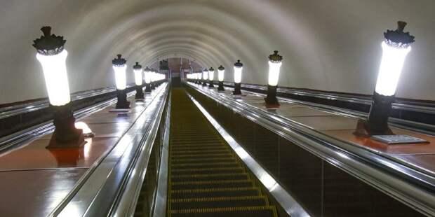 Школьницы остановили эскалатор на станции метро «ЦСКА»