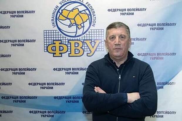 Украинских волейболистов стимулируют деньгами на матч с россиянами