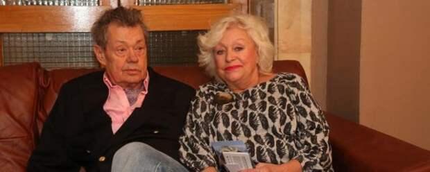 Вдова Николая Караченцева пожаловалась на пенсию в 53 тысячи рублей