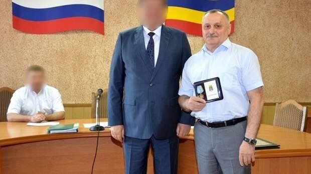 Экс-чиновника в Ростовской области осудили условно за хищение 65 млн рублей