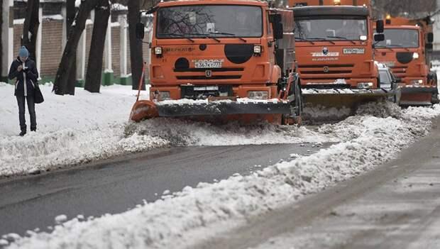 В уборке подмосковных дорог задействовали рекордное число техники с начала зимы