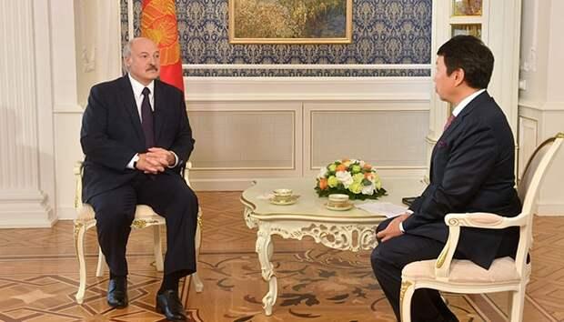 """Лукашенко назвал Великую Отечественную войну """"не нашей войной"""""""