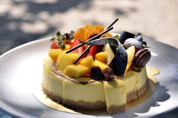 Роспотребнадзор дал рекомендации по выбору тортов и пирожных