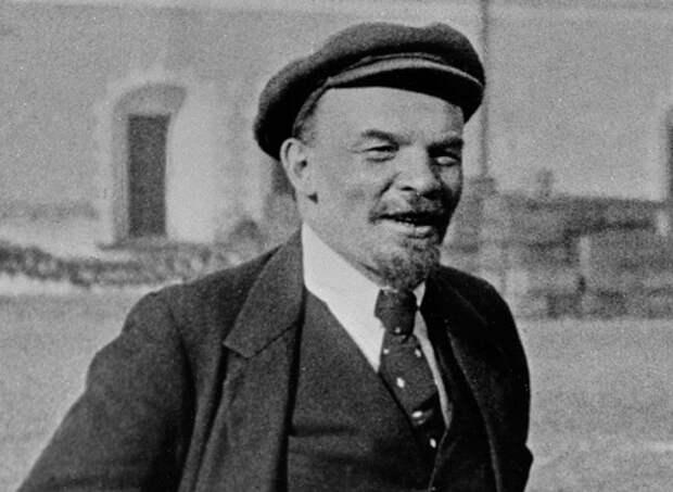 Почему Ленину при жизни не вручили ни одной награды