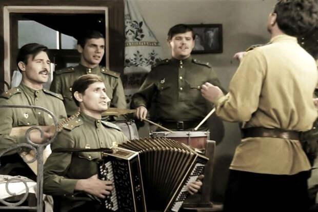 Политики Украины считают флешмоб советских песен во всем мире работой российских спецслужб