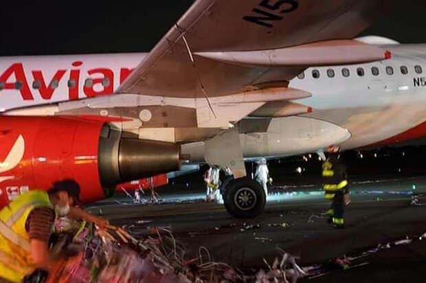 Самолёт чуть не рухнул, запутавшись в праздничной мишуре