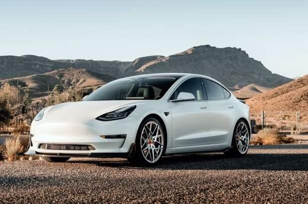 В США жертвой ДТП стал водитель Tesla