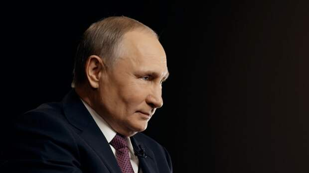 Путин отметил мощь российского ледокольного флота