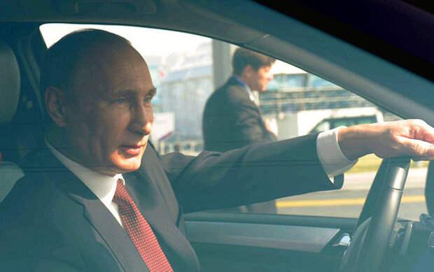 Социологи: Путин гарантированно выигрывает в первом туре