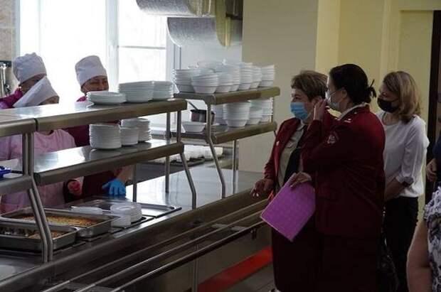 Родители контролируют, как питаются их дети в школах Петропавловска