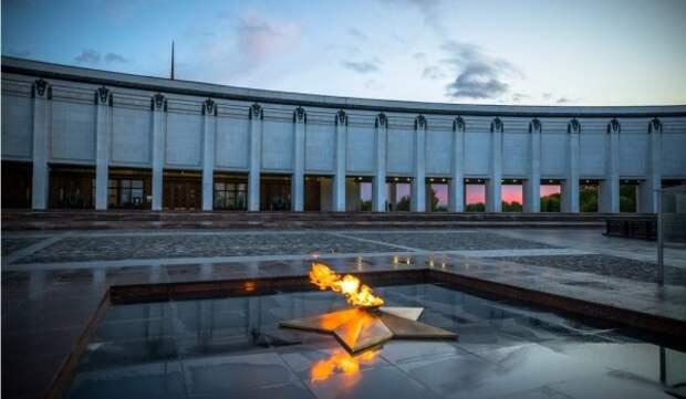 Ко Дню Победы на медиаплатформе #Москвастобой появилась онлайн-прогулка по выставке «Триумф победителей»