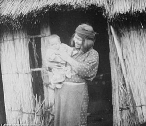Мать и дитя айны, история, народ, фотография