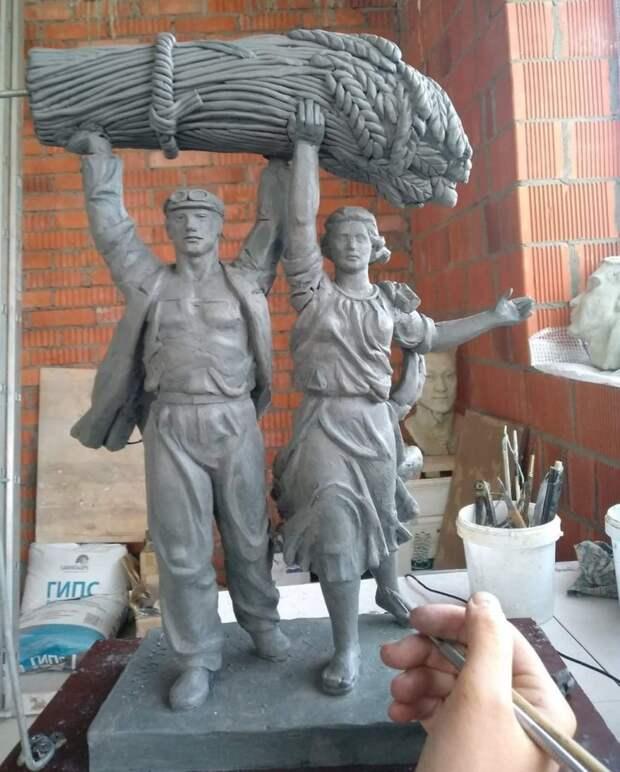 С пенсионерами из Северного занимается в режиме онлайн известный скульптор