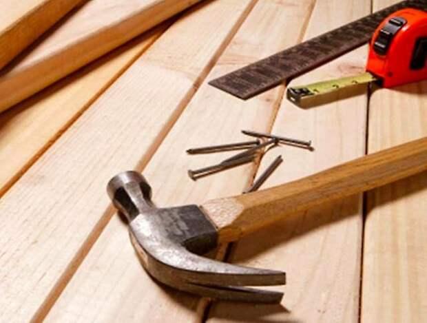 Плотника попросили построить последний дом
