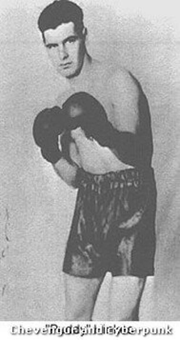 Хинкес; тоже боксировал, по молодости