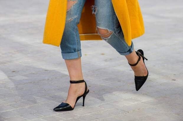 Босоножки с острым мысом – выбор стильных особ. /Фото: fashionapp.ru