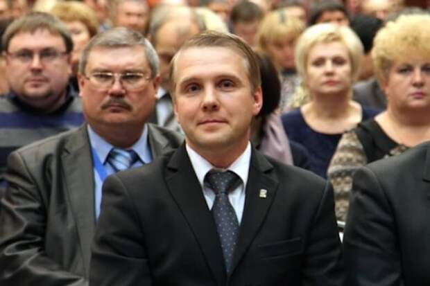 В Челябинске партийному лидеру припомнили руководство бандой