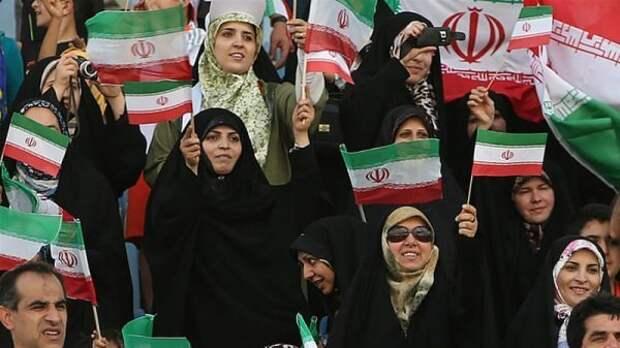 Делегация ФИФА проверит допуск женщин на стадионы в Иране