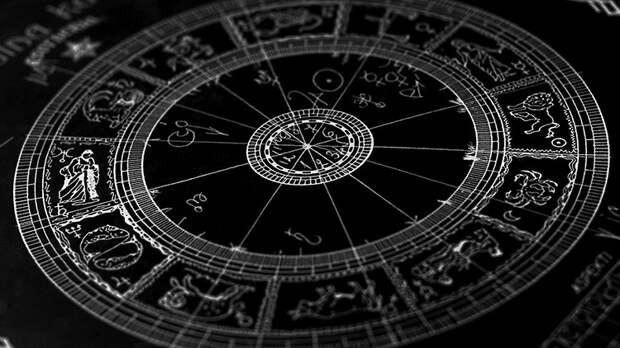Астрологи назвали худшие черты каждого знака зодиака