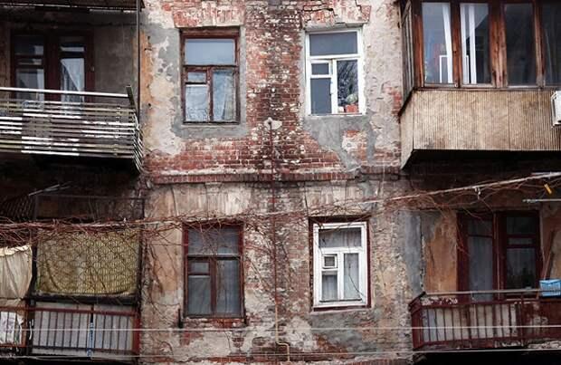 Поправки в законе о расселении аварийного жилья — квартиры получат не все
