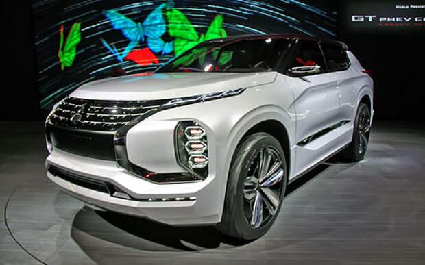 Метеозависимый: Mitsubishi рассказала о талантах вседорожника GT-PHEV