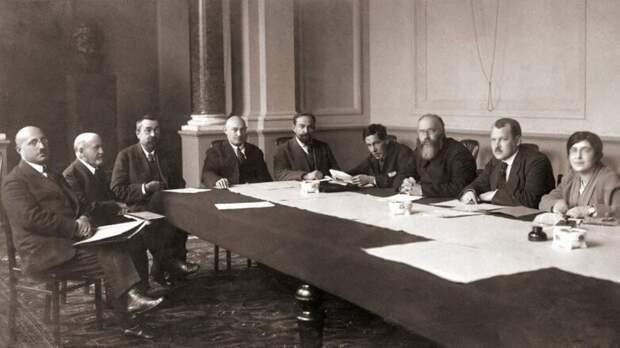 История советских экспериментов с отраслевыми банками