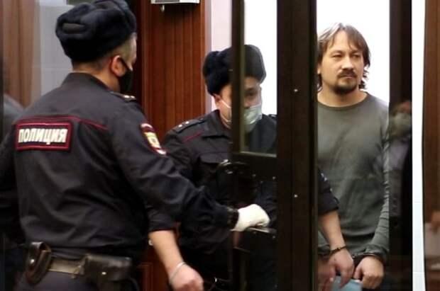 Сфабриковавшим дело Голунова экс-полицейским дали от 5 до 12 лет колонии
