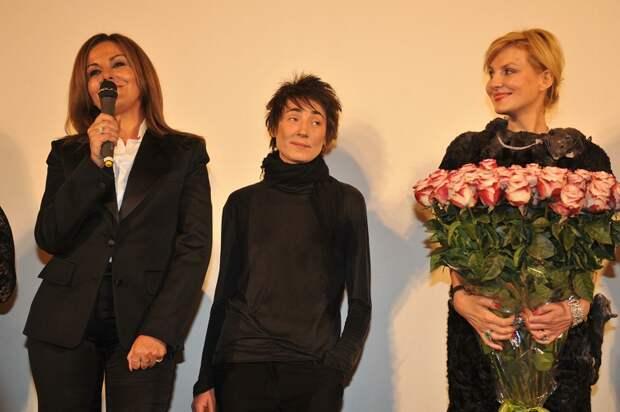 Новость, о которой говорят на каждом углу: Земфира и Рената Литвинова поженились!