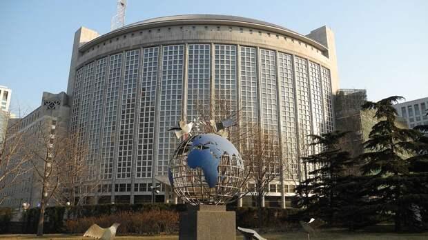 Китайский политик: Вашингтон использует тему прав человека в личных целях