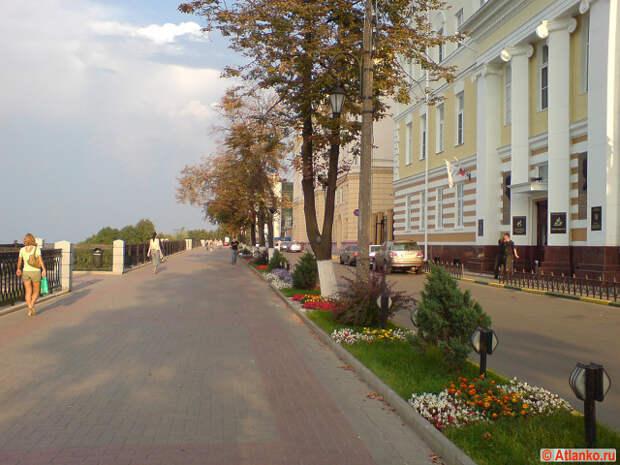 Отсталая, убогая Россия. Нижний Новгород.