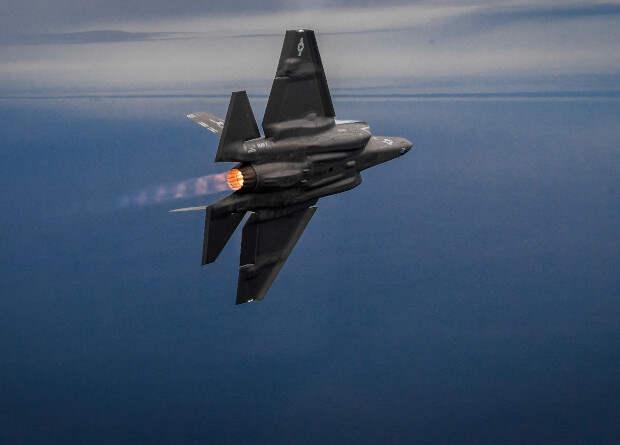 Сверхзвуковой полет оказался вредным для истребителей F-35