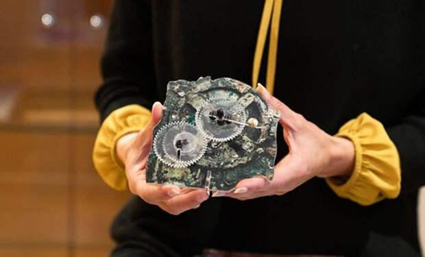 Древний компьютер возрастом 2 000 лет использовал драгоценные камни для моделирования космоса