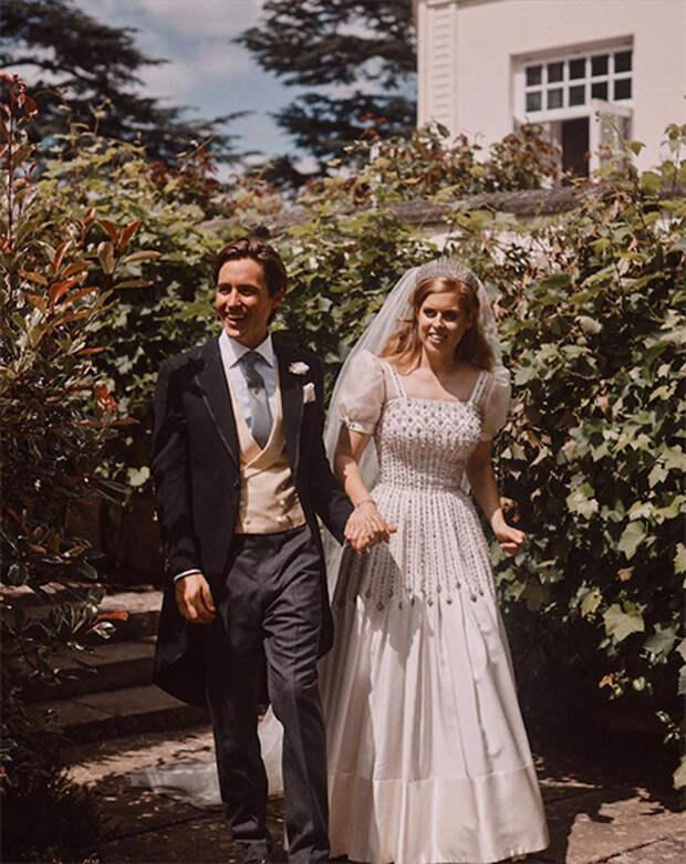 Муж принцессы Беатрис нанял на работу свою бывшую девушку