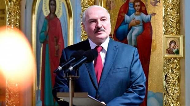 Перехитрит Восток с Западом: СМИ рассказали о значении декрета Лукашенко