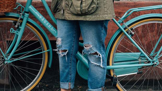 Ким Чен Ын запретил рваные джинсы из-за влияния Запада на молодежь КНДР