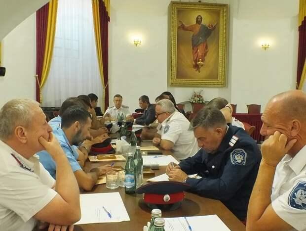 Казаки Ростовской области решили срочно переизбрать атамана