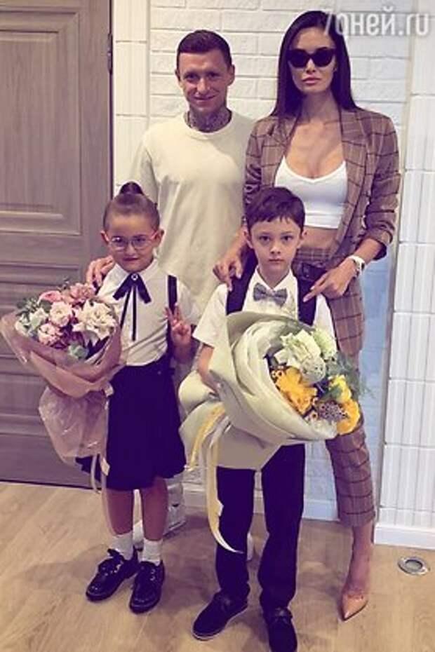 «Бентли» и украшения от Тиффани не спасут: жена Павла Мамаева готовится к разводу